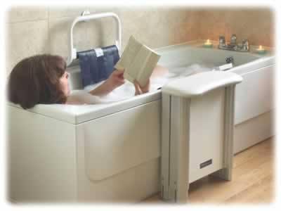 Bather using a Molly Bather bath lift