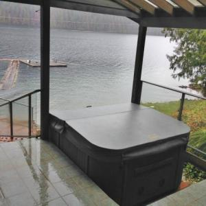 Coast Spas CASCADE HORIZON installed by The Comfort Zone Mobility Aids & Spas in Port Alberni, Vancouver Island, BC.  Call to set up an appointment for your onsite survey so that we can provide you with an accurate quote 250 724 4477 or email info@albernicomfortzone.com