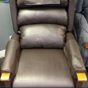Dual Motor leatherette Lift Chair